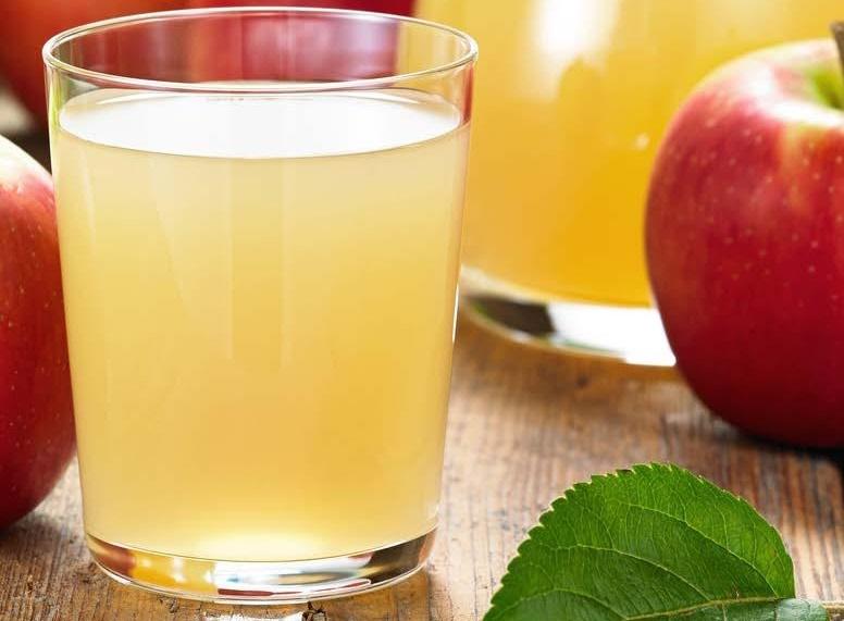 Apfelsaft, Orangensaft 0,25l oder Apfelschorle 0,5l